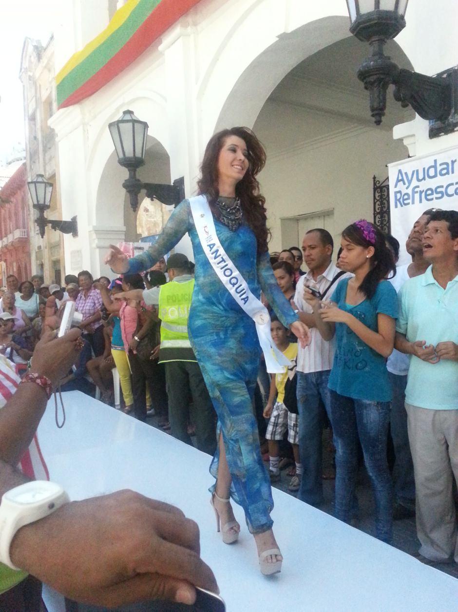 La Srta. Arauca Natalia Fonseca Tavera durante el desfile. 2012