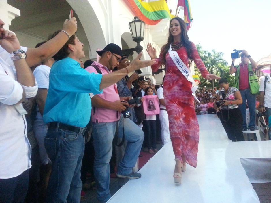 La Srta. Guajira Daniela Vega Measpirantes a señorita colombia en cartagena 2012