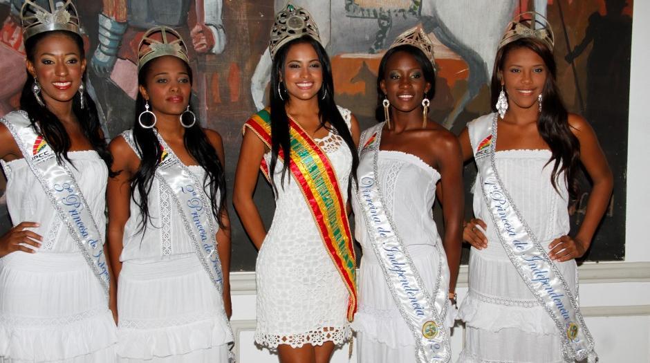 Reinas de la Independencia ofrecen rueda de prensa