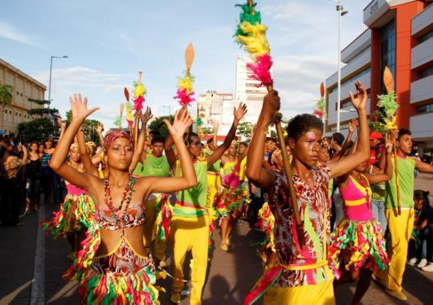 Desfile Folclórico Infantil