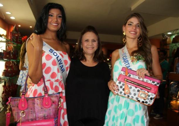 Reinas en la sede del Concurso Nacional de Belleza.