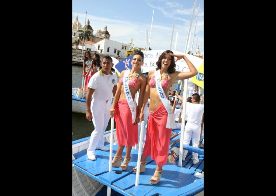 Señorita Bogotá D.C., Jénnyfer Uscátegui Galindo, y la Señorita Atlántico Paulina Vega Dieppa.