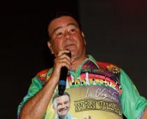 Iván Villazón, cantante vallenato.