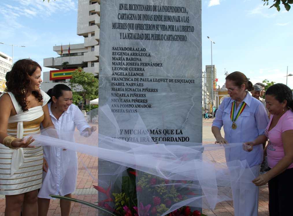 Homenaje a mujeres   Homenaje a mujeres   EL UNIVERSAL - Cartagena