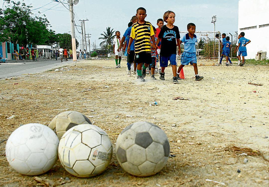 Goles Para Derrotar El Pandillismo Futbol Callejero El Universal