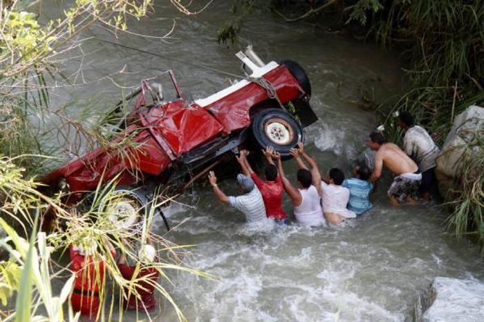 El accidente se presentó a 200 metros del balneario El Laguito, en la ...