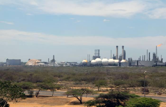 Refinería de Amuay reanuda operaciones tras incendio   EL UNIVERSAL ...