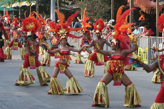 ... de las fiestas del Dios Momo, en el año del bicentenario de la