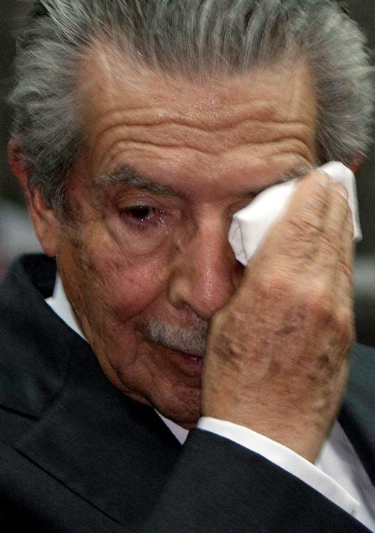 """O tribunal não pôde demonstrar de maneira fidedigna que houve da parte do ex-presidente """"intenção de destruir, total ou parcialmente, um grupo nacional, ... - efrain_rios_montt"""