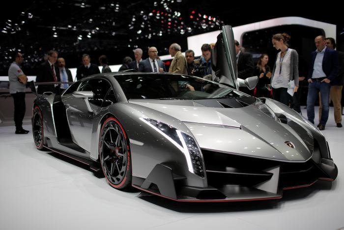 Nombres de carros lujosos