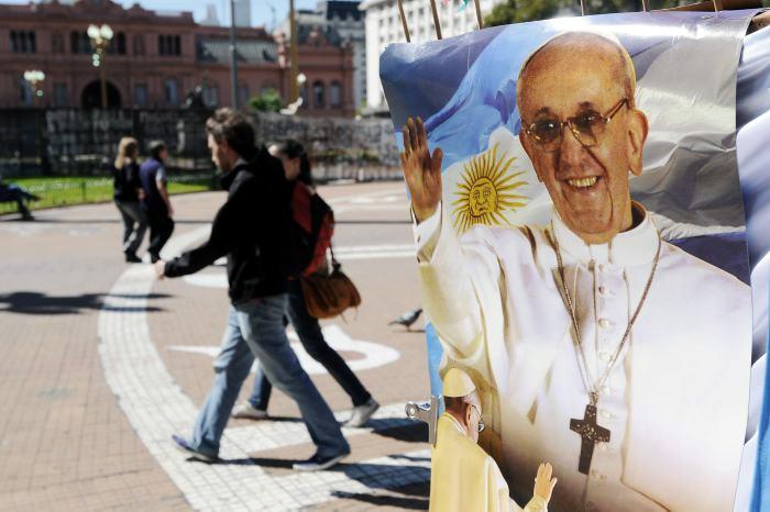 Roma prepara misa inaugural de Francisco