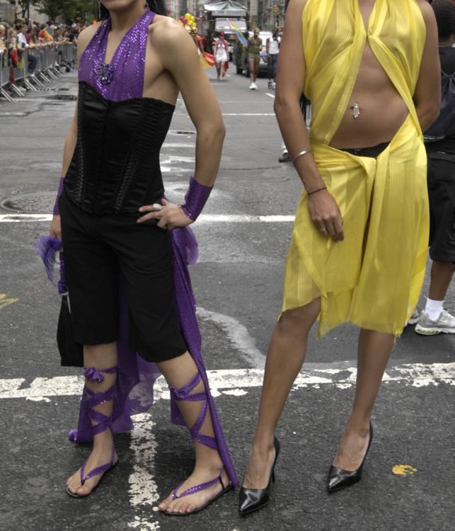 pies gay acompañantes whatsapp