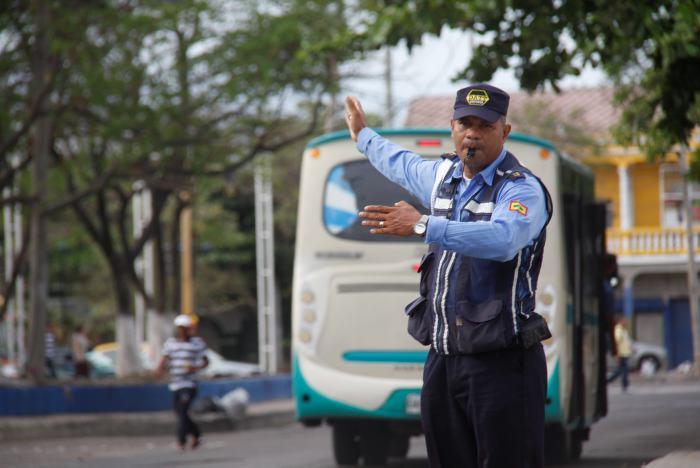 """Conductor, no se confunda, no existen los retenes """"ilegales o ..."""