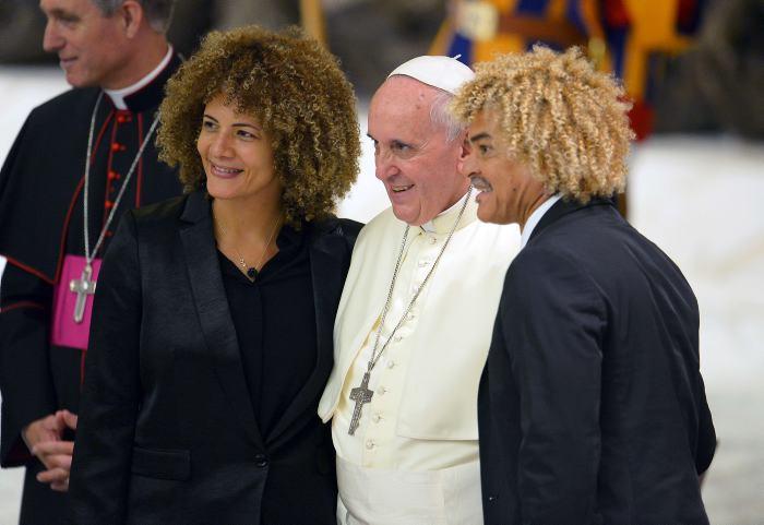 Pibe y a su esposa en El Vaticano | CARLOS VALDERRAMA | EL UNIVERSAL ...