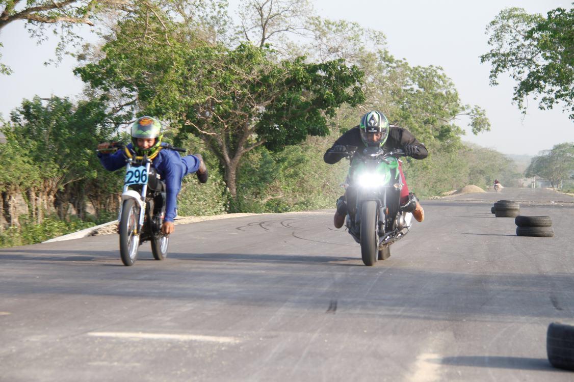 Locos Por Las Motos Corredores Piques Carreras El Universal