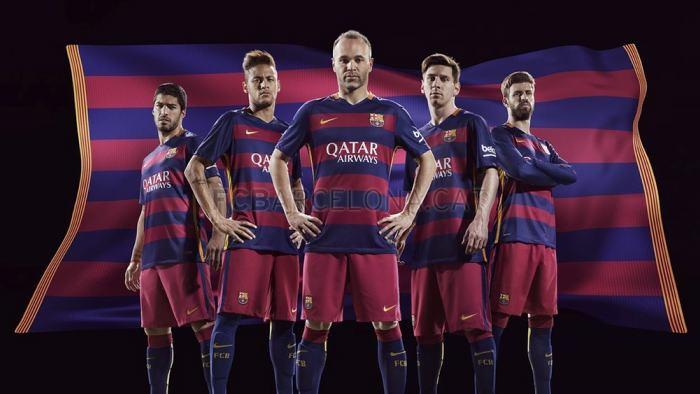 Primera equipación del Barcelona para la temporada 2015-2016.    Tomado de  fcbarcelona.es ef13ea98e15