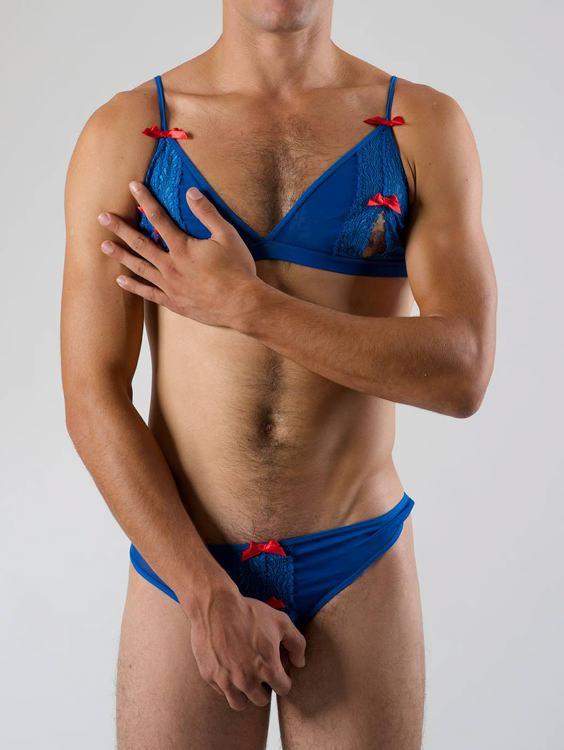 2c86421afb Las prendas son bastante accesibles y se pueden encontrar en la pagina web  de la marca.    Archivo - www.hommemystere.com