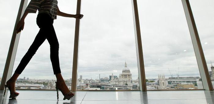 Médicos advierten sobre peligros de pantalones ajustados