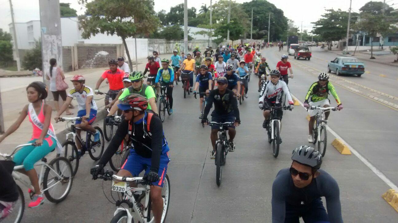 Resultado de imagen para campaña de ciclismo MUEVETE CON RESPETO