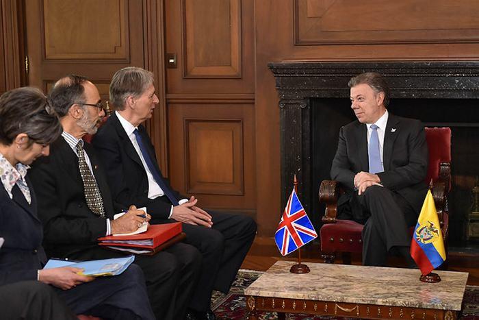 Canciller británico visita Cuba para afianzar cooperación