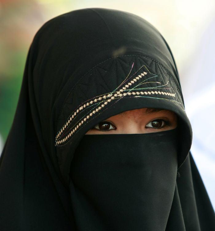 Resultado de imagen de velo musulman en francia