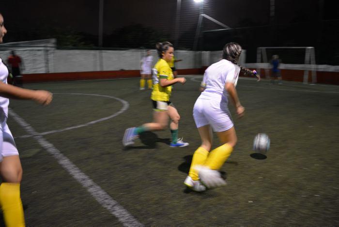 Mujeres Amateur Se Toman Las Canchas El Universal Cartagena