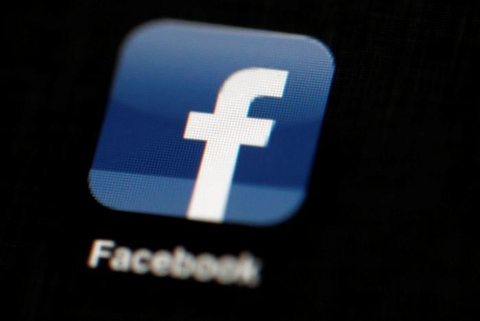 Facebook apuesta a familia y amigos para evitar deserciones
