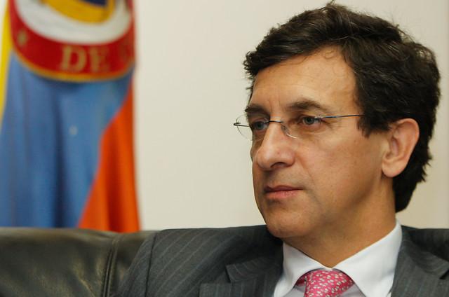 Presidente de Costa Rica celebra firma de acuerdo de paz en Colombia