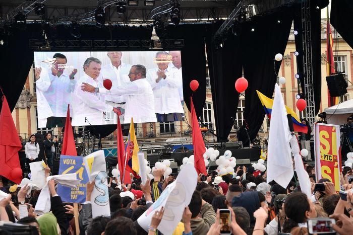 Parte Raúl Castro tras asistir a firma acuerdo de paz de Colombia