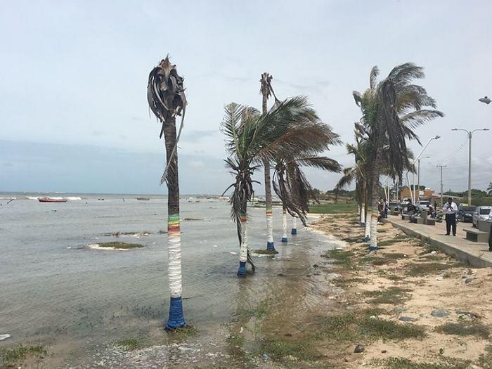 Huracán Matthew se aleja de México