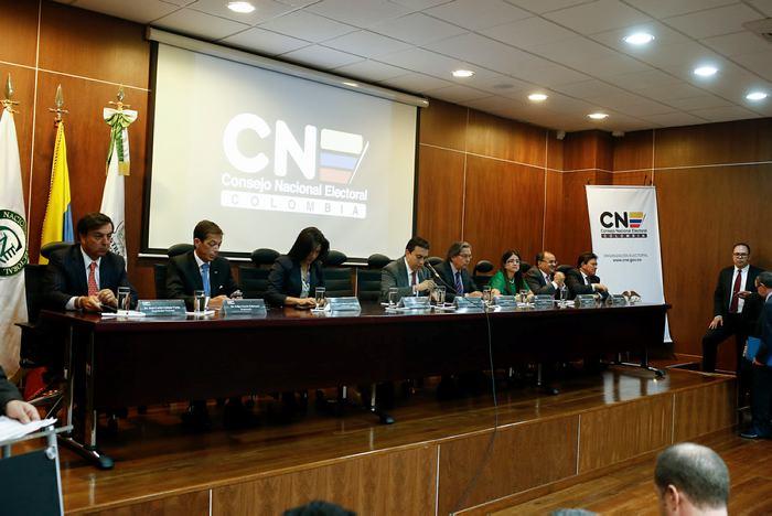 CNE investiga a Juan Carlos Velez