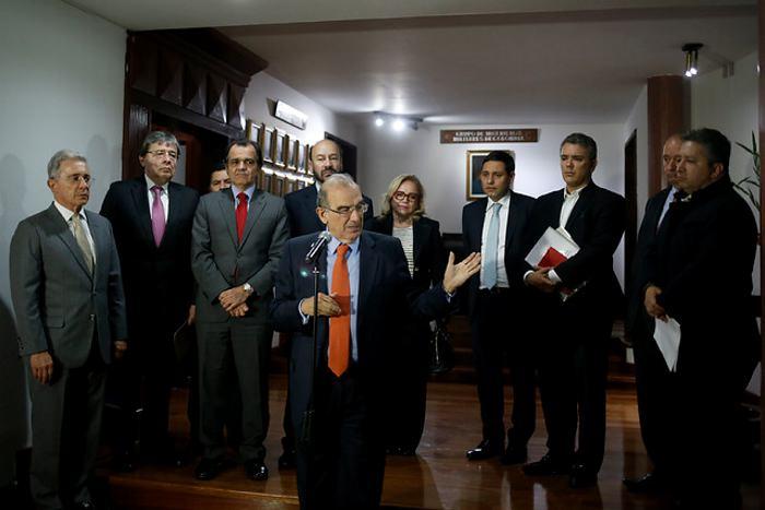Expresidente Uribe resalta prórroga de cese al fuego con las FARC