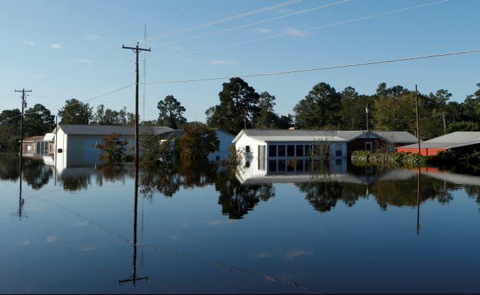 Matthew toca tierra en Carolina y Georgia como huracán categoría 1