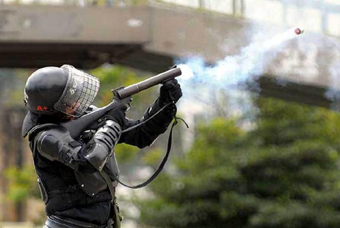 Un policía muerto y siete heridos tras enfrentamientos con indígenas en Cauca