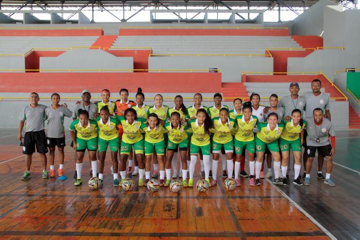 Real Cartagena femenino entrena con 30 jugadoras preseleccionadas ... 83aef4a056007
