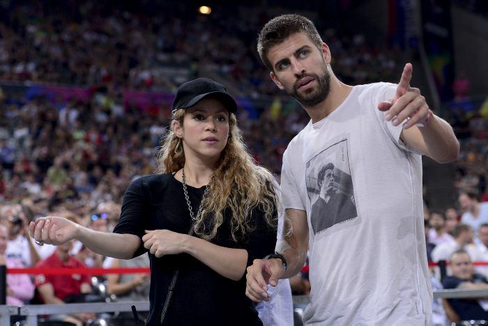 Piqué agredió a una periodista frente a Shakira y su hijo