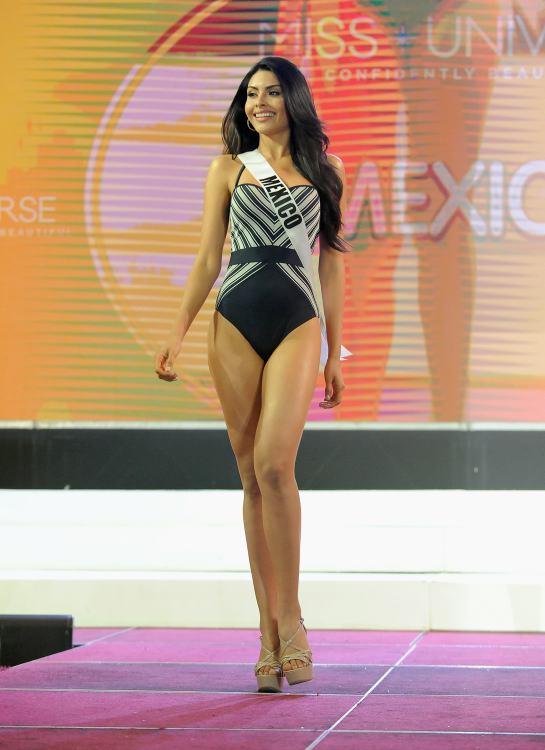 b63043742 Desfile en traje de baño sube la temperatura en Miss Universo