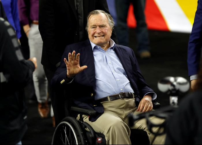 Image result for Hospitalizan al expresidente de EE.UU. George H. W. Bush