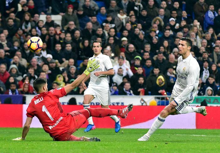 Sigue la lucha entre Real Madrid y Barcelona