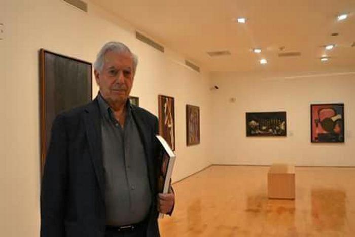Vargas Llosa destaca extraordinaria solidaridad de peruanos ante emergencia
