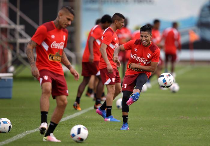 Perú se juega su última chance de clasificación frente a Venezuela