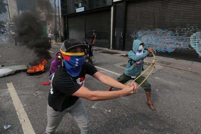 Venezuela: Tras una jornada con 13 muertos, marchan en silencio al Episcopado