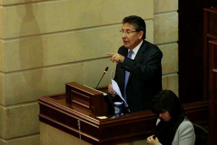 Senador de izquierda insta a fiscal colombiano a renunciar por caso Odebrecht