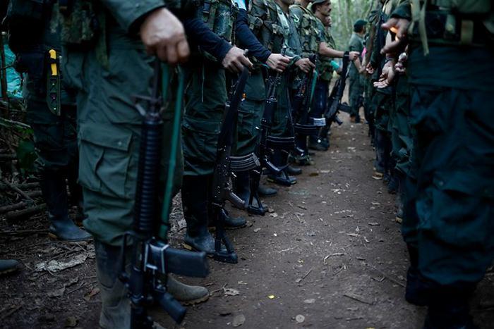 Santos emite decretos para garantizar verdad y justicia a víctimas