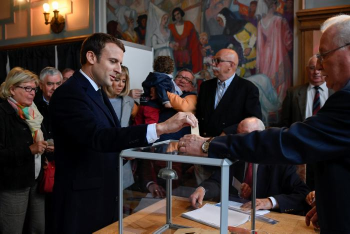 Ultraderechista Le Pen celebra