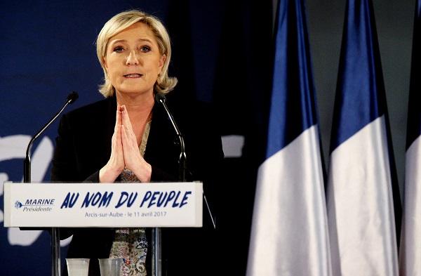 Justicia francesa pide levantar inmunidad a Marine Le Pen