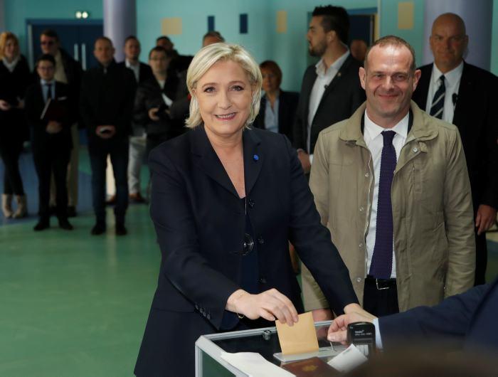 Francia se va a segunda vuelta