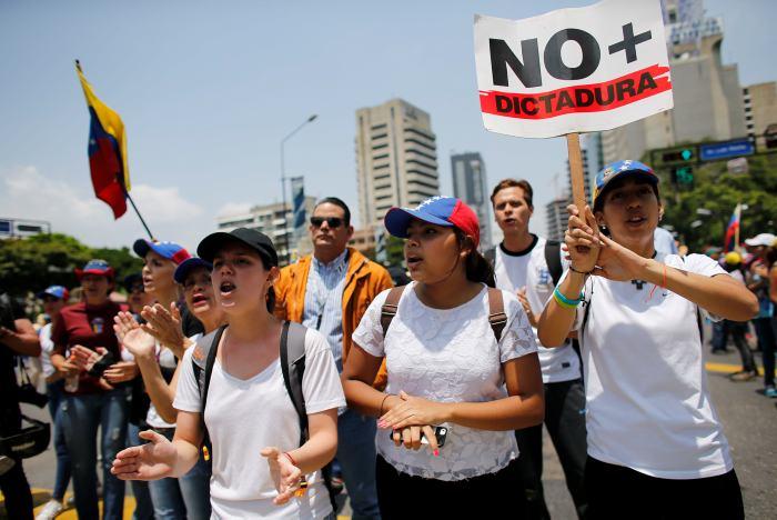 Confirman 26 muertos en manifestaciones