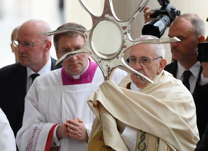 Nombramiento como cardenal sorprende al obispo salvadoreño Gregorio Rosa Chávez