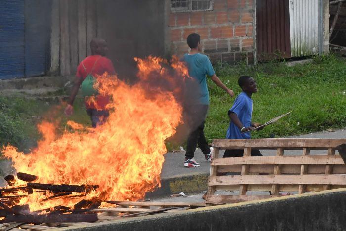 A 80 suben los detenidos por saqueos en ciudad colombiana de Buenaventura